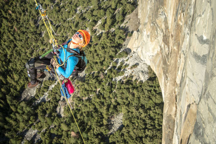 Vanessa François escalade la voie Zodiac d'El Capitan, dans le Parc Yosemite en Californie, le 11 octobre.