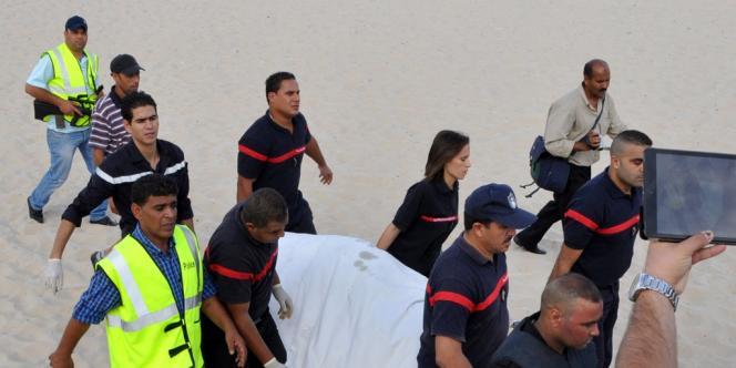 Un kamikaze s'est fait exploser mercredi 30 octobre sur la plage de Sousse sans faire d'autres victimes.