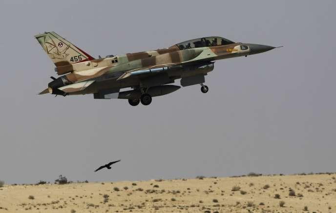 Un chasseur-bombardier F16 israélien décollant de la base de Ramon, en Israël, le 21 octobre.