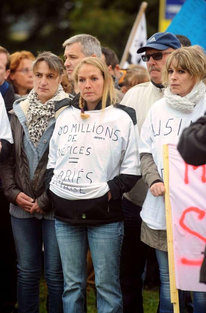 Des salariés de plusieurs entreprises agroalimentaires (Doux, Tilly-Sabco, Gad…) manifestent contre les plans sociaux, le 14 octobre.