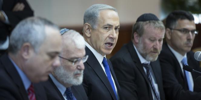 Le premier ministre israélien Benyamin Nétanyahou et son cabinet, le 3 novembre à Jérusalem.