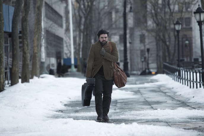 Entre deux concerts incertains et deux abris provisoires, Llewyn Davis (Oscar Isaac) tente de survivre.