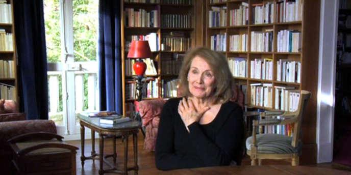 L'écrivain Annie Ernaux, chez elle.