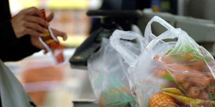 Lors du prochain Conseil de Paris, qui se tiendra à partir du 20 octobre, l'exécutif parisien proposera « une alternative écologique » aux sacs en plastique.