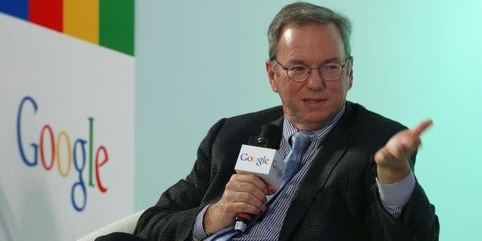 D'après Eric Schmidt, son ex-PDG, Google crée tous les deux jours autant d'information qu'il en a été créé de l'origine du monde à l'année 2003 (Eric Schmidt, le 4 novembre à Hongkong).