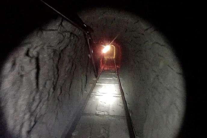 Image (fournie par l'administration américaine) du tunnel découvert le 31 octobre entre Tijuana et San Diego et permettant le transport de drogues entre le Mexique et les Etats-Unis.