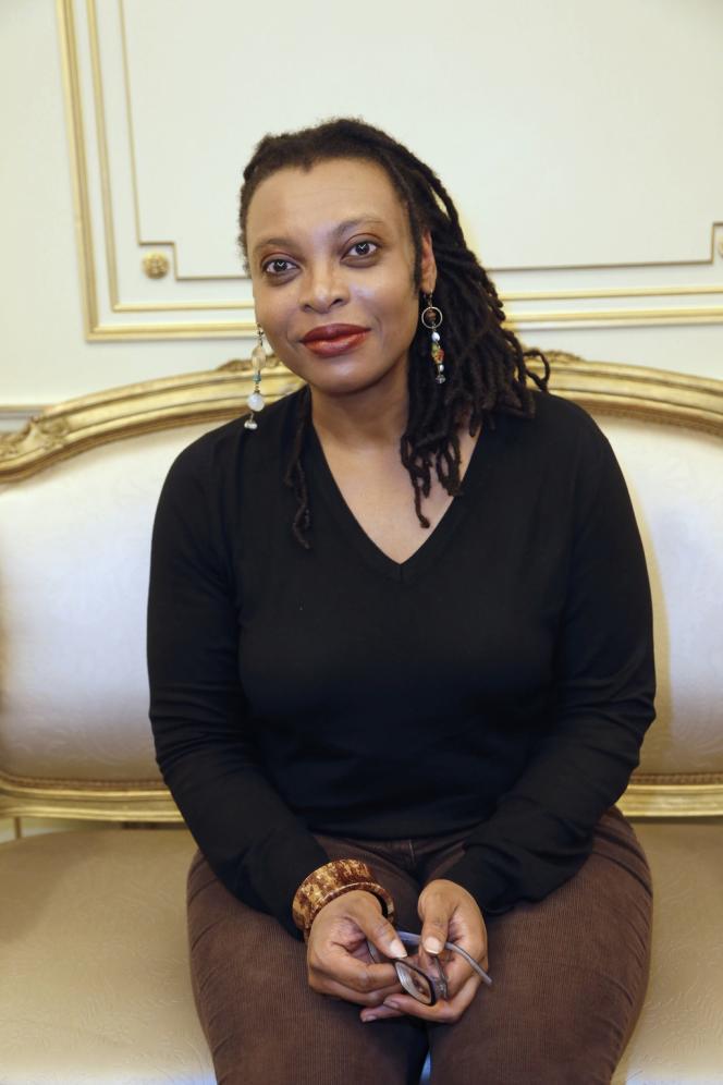 La romancière Léonora Miano lors de la remise du prix Femina à Paris, le 6 novembre 2013.