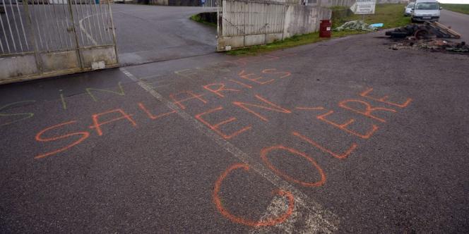 Plus de 200 salariés sont menacés de licenciement chez Marine Harvest, à Poullaouen (Finistère).