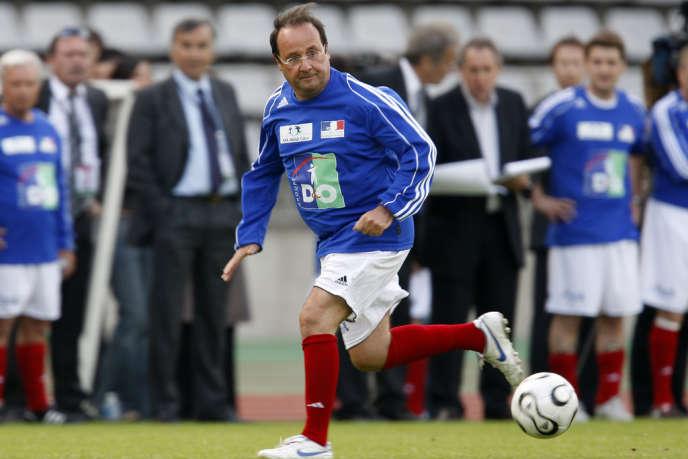 Le candidat à la présidentielle François Hollande avait promis qu'il n'augmenterait pas les impôts s'il était élu président. (Ici, M. Hollande en 2008)