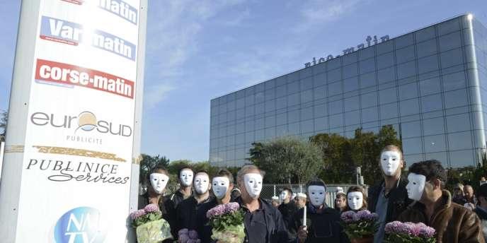 Une action des salariés de Nice-Matin, le 1er novembre, au siège du groupe.