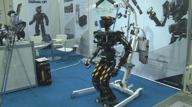 Le robot nous remplace dans les tâches manuelles et le logiciel nous remplace dans les tâches intellectuelles.