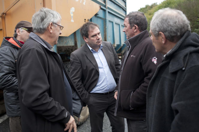 Christian Troadec dans sa ville de Carhaix (Finistère), le 6 novembre.