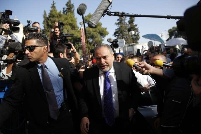 Avigdor Lieberman, le 6 novembre avant son arrivée au tribunal de Jérusalem.