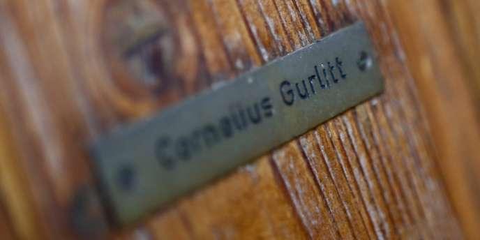 La plaque de la porte d'entrée de Cornelius Gurlitt à Salzbourg, le 6 novembre 2013. Il s'engage à restituer les oeuvres d'art qu'il détient, dérobées par les nazis, si les propriétaires sont identifiés.
