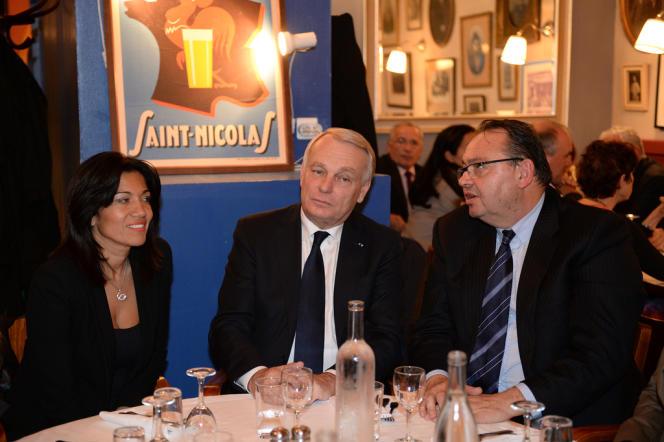Samia Ghali, Jean-Marc Ayrault et Patrick Mennucci à Marseille, le 7 novembre.