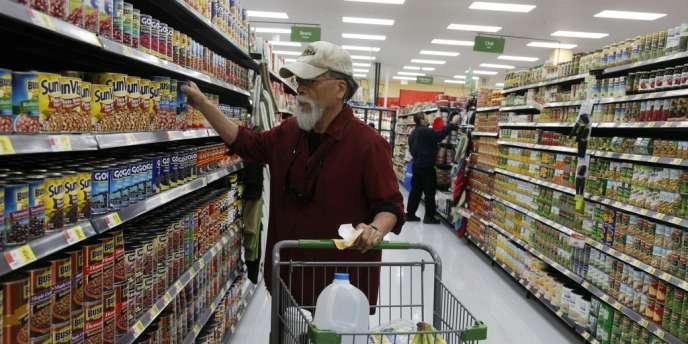 La consommation américaine a progressé à un rythme annuel de 2 % au troisième trimestre. Cet indicateur représente environ 70 % de l'activité économique aux Etats-Unis.
