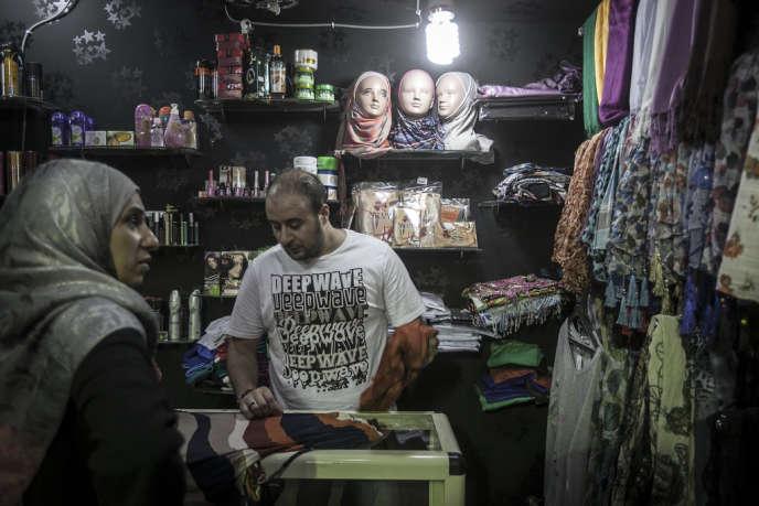 Des réfugiés syriens dans la cité du 6-octobre, à 30 km du Caire, appelée la