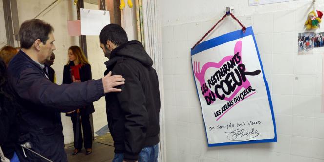 Centre de distribution des Restos du cœur, à Aulnay-sous-Bois (Seine-Saint-Denis), en décembre 2012.