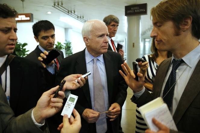 Le sénateur républicain John McCain, et ancien candidat à la Maison Blanche en 2012, a félicité la France pour son veto lors des négociations sur le nucléaire iranien à Genève, samedi 9 novembre 2013.