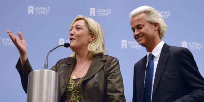 Marine LePen et Geert Wilders lors d'une conférence de presse commune, le 13novembre2013.