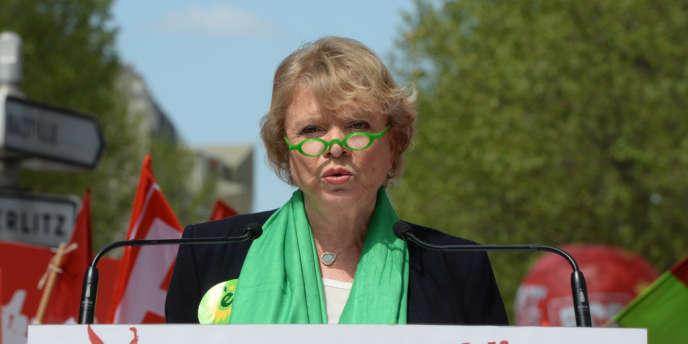 La candidate à la présidentielle de 2012, Eva Joly, a participé à la manifestation du 5 mai aux côtés de Jean-Luc Mélenchon.