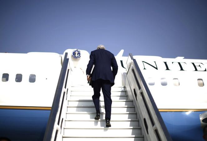 John Kerry quitte Tel Aviv pour Genève, le 8 novembre.