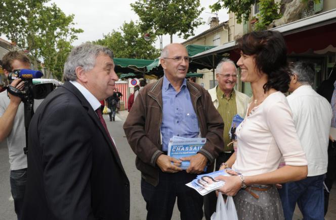 Roland Chassain (UMP) face à Valérie Laupies (FN), lors des législatives de 2012, à Saint-Martin-de-Crau (Bouches-du-Rhône).
