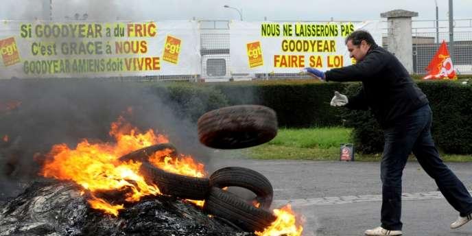 Tous les salariés du site de Goodyear à Amiens-Nord ont reçu des invitations à se rendre à la cellule de reclassement.