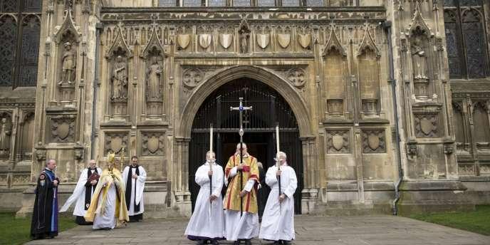 Le synode de l'Eglise anglicane d'Angleterre a approuvé le principe de l'ordination de femmes évêques – ici l'archevêque de Cantorbéry, Justin Welby (troisième à g.), le 21 mars 2013.