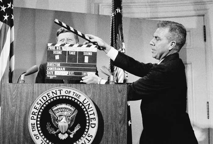 Le président John F. Kennedy, le 3 juillet 1963, lors d'une allocution télévisée depuis la Maison Blanche.