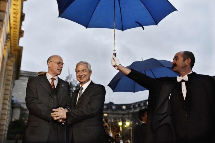 Norbert Lammert (à gauche), reçu par Claude Bartolone à l'hôtel de Lassay, à Paris, le 20 novembre.