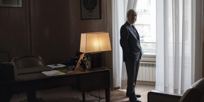 Jean Tiberi, ancien maire de Paris, compte bien laisser son fauteuil de la mairie du cinquième à son fils et adjoint.