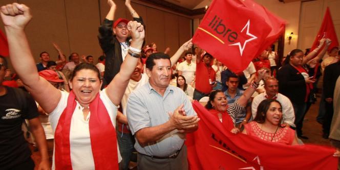 Des partisans de Xiomara Castro, la candidate du parti de gauche Libre, à Tegucigalpa le 24 novembre.