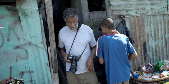 Le photographe Daniel Morel à Haïti, juste avant le tremblement de terre du 12 janvier 2010.