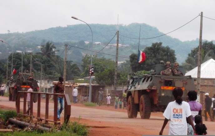 Des troupes françaises dans les rues de Bangui, le 31 août.