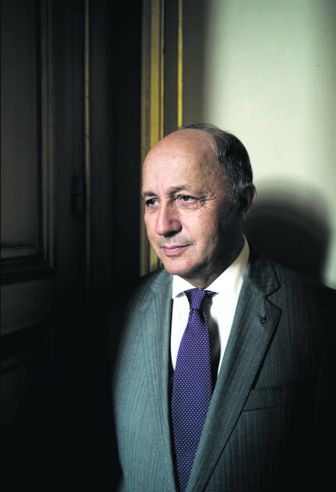 Laurent Fabius, dans son bureau du Quai d'Orsay, à Paris.