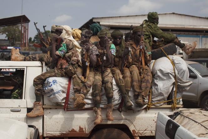 Des soldats tchadiens de la Force multinationale d'Afrique centrale, la Fomac, à Bangui, le 24 novembre.