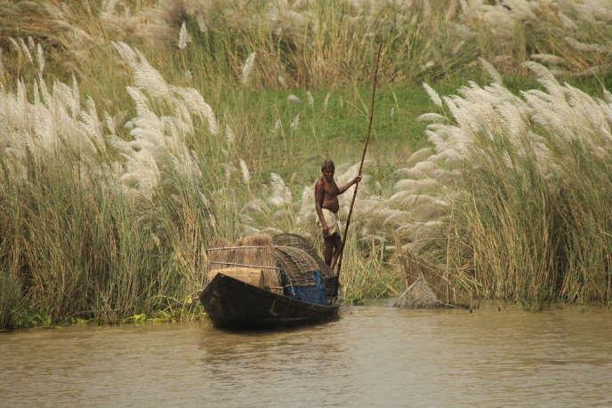Un pêcheur bengali sur l'Hooghly.