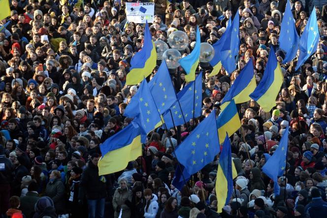Manifestation pro-européenne à Kiev, mercredi 27 novembre.