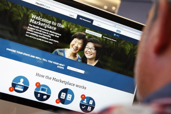 La réforme, promesse majeure de M. Obama promulguée en mars 2010, vise à convaincre les personnes sans couverture maladie de s'assurer.