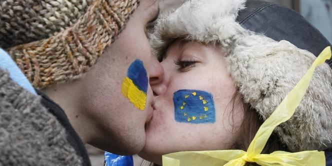 Lors d'une manifestation, place de l'Indépendance à Kiev, pour un rapprochement de l'Ukraine avec l'Union européenne, le 29novembre2013.
