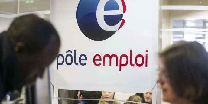 En décembre 2013, 3 563 400 personnes étaient recensés comme chômeurs de catégorie A en France.