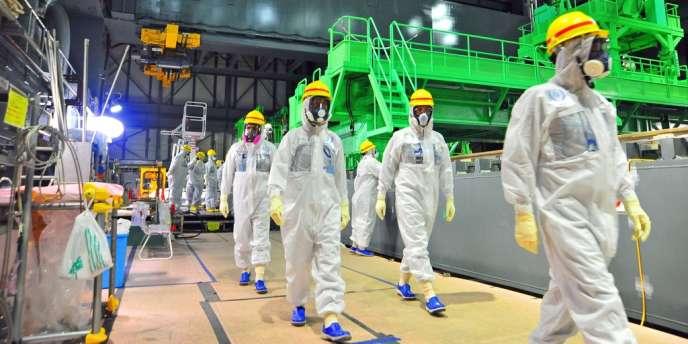 Visite d'inspecteurs de l'AIEA à la centrale de Fukushima, le 27 novembre 2013.