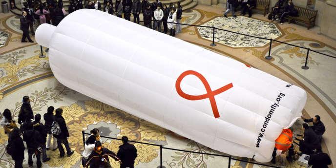 Campagne de l'association Condomfly à Paris en 2010.