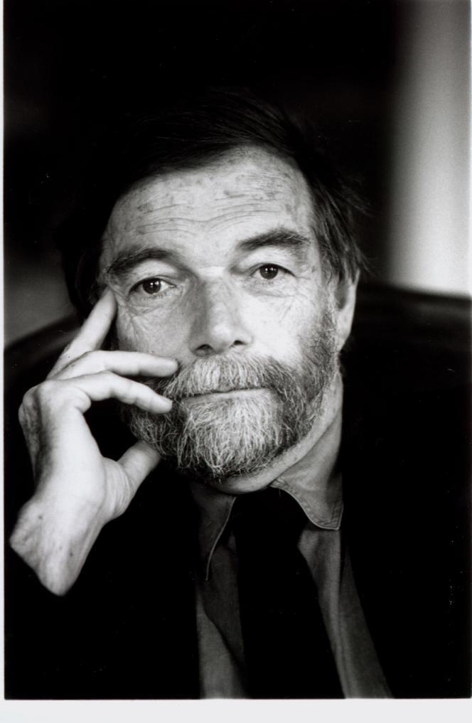 André Schiffrin.