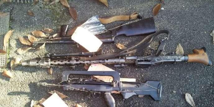 Après dix-huit mois d'investigation, les enquêteurs français ont démantelé un vaste trafic international d'armes en provenance des Balkans et de la Slovaquie.