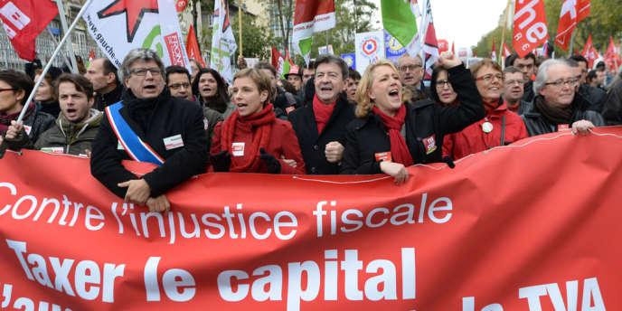 Jean-Luc Mélenchon pendant la manifestation du Front de gauche pour la «révolution fiscale», le 1erdécembre2013 à Paris.