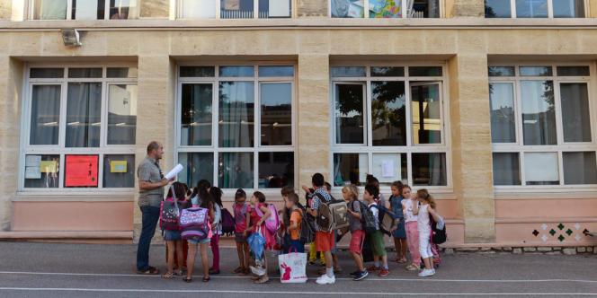 Rentrée scolaire à l'école Abbé-de-l'Epée, à Marseille, le 3septembre2013.