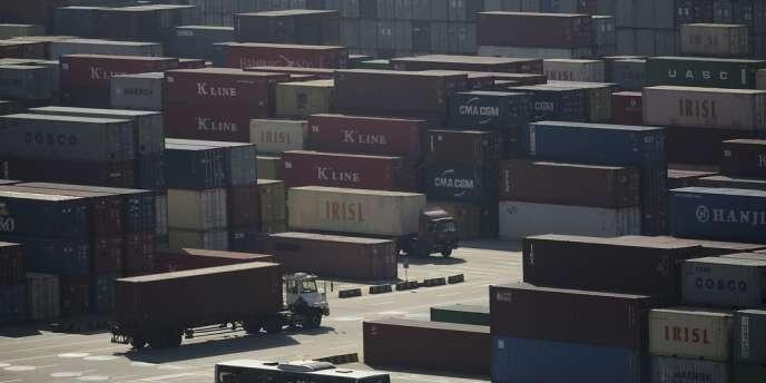 Le port de Shanghaï. Pékin vise à accroître l'utilisation du yuan dans les échanges commerciaux.