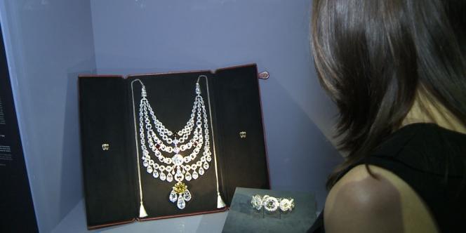 Avec environ 600 bijoux créés du XIXe siècle aux années 1970, la plus grande exposition jamais consacrée à Cartier, au Grand Palais à Paris.